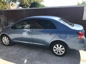 Vendo Toyota Yaris  premium impecable