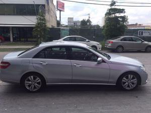 Vendo Mercedes Benz E200 AÑO