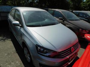 Volkswagen Vento p Confortline L4/1.6 Man