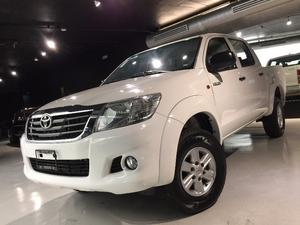 IMPECABLE TOYOTA HILUX DOBLE CABINA