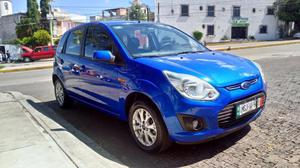 Ford Fiesta ikon / impecable