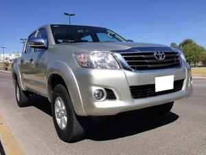 Impecable Camioneta Toyota Hilux Sr