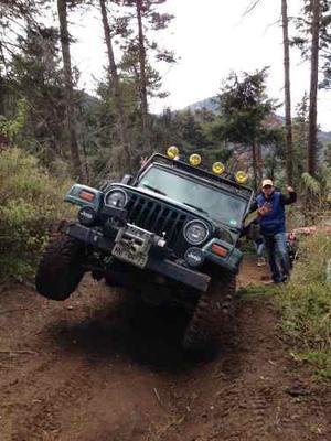 Jeep Wrangler 4.0 X Techo Duro 4x4 Mt