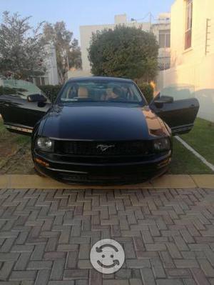 Ford Mustang v6 standar