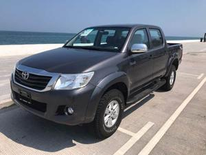 Toyota Hilux Doble Cabina Version Mid, Maximo Equipo