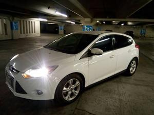 Ford Focus  Trend Hatch Back Automatico Remate !