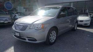 Chrysler Town & Country 3.6 Li At  Plata