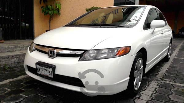 Honda civic  lx 4 puertas