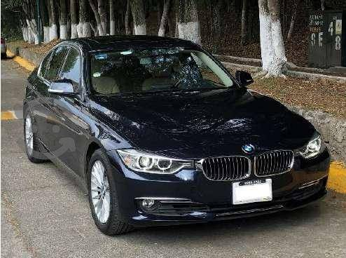 Bmw 320i Luxury Line  kms - IMPECABLE -