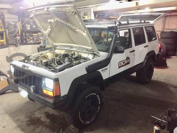 Jeep 4x4 Cherokee Sport