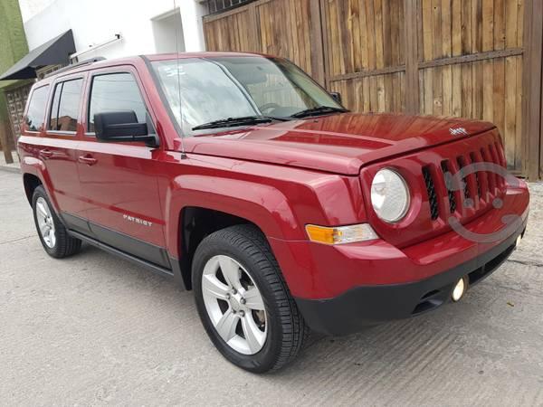 Preciosa Jeep Patriot Sport  Automatica en San Luis